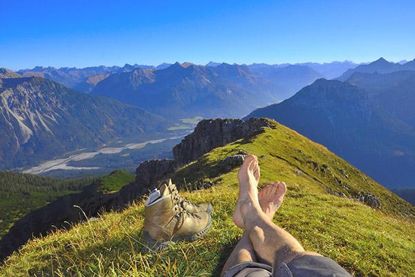 Wandern in den Alpen – dem Stress davonlaufen | alltours Reiseblog