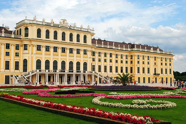 Wien Blick auf das Schloss Schönbrunn | alltours Reiseblog