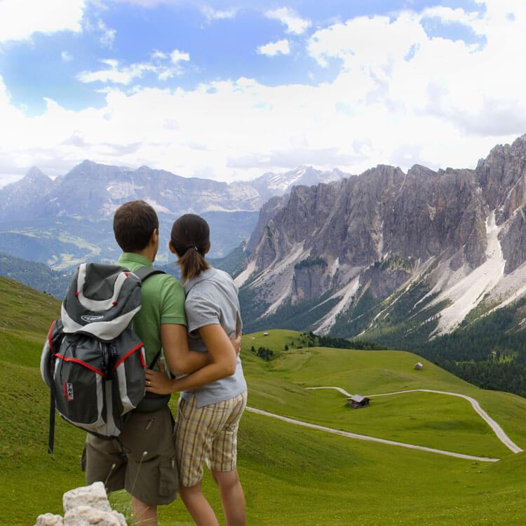 Wandern und Wellness im schönen Österreich   alltours