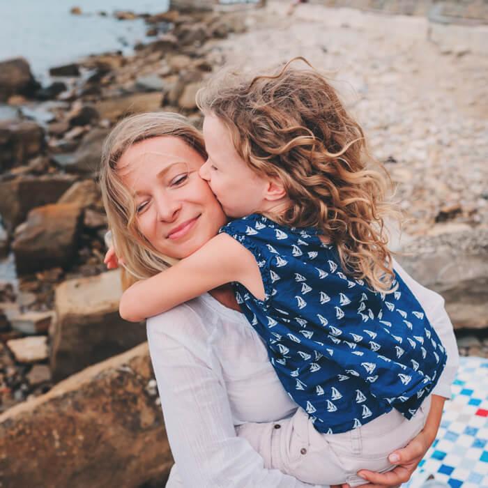 Alleine mit Kind verreisen – so klappt der Traumurlaub | alltours Reiseblog