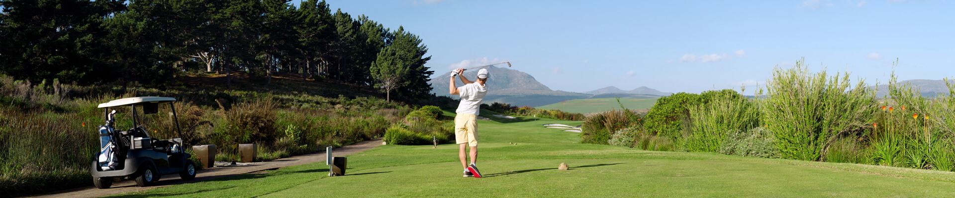 Mallorca bietet alles, was den Golf-Sport so schön macht. Abwechslungsreiche Golfplätze, hervorragende Trainingsmöglichkeiten, professionelle Golftrainer   alltours Reiseblog