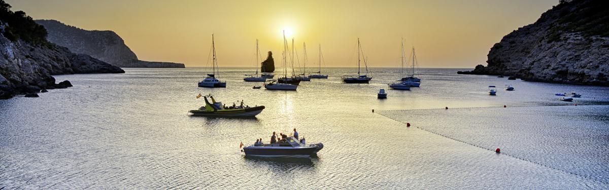 Cala Benirrás Sonnenuntergang mit Abendstimmung